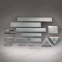 Industrial blade for chemical fiber cutting